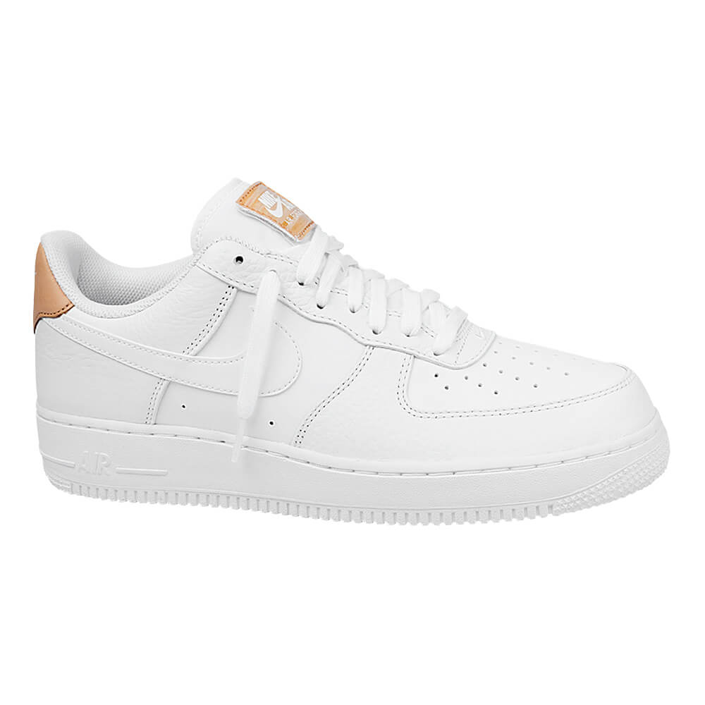 c3d50620f17 Tênis-Nike-Air-Force-1-07-LV8-Masculino ...