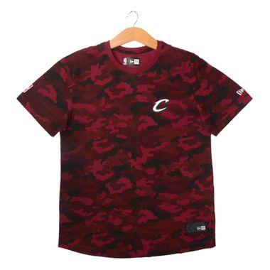 Camiseta-New-Era-Militar-Full-Camo-Cleveland-Cavaliers-Masculino-Vermelho