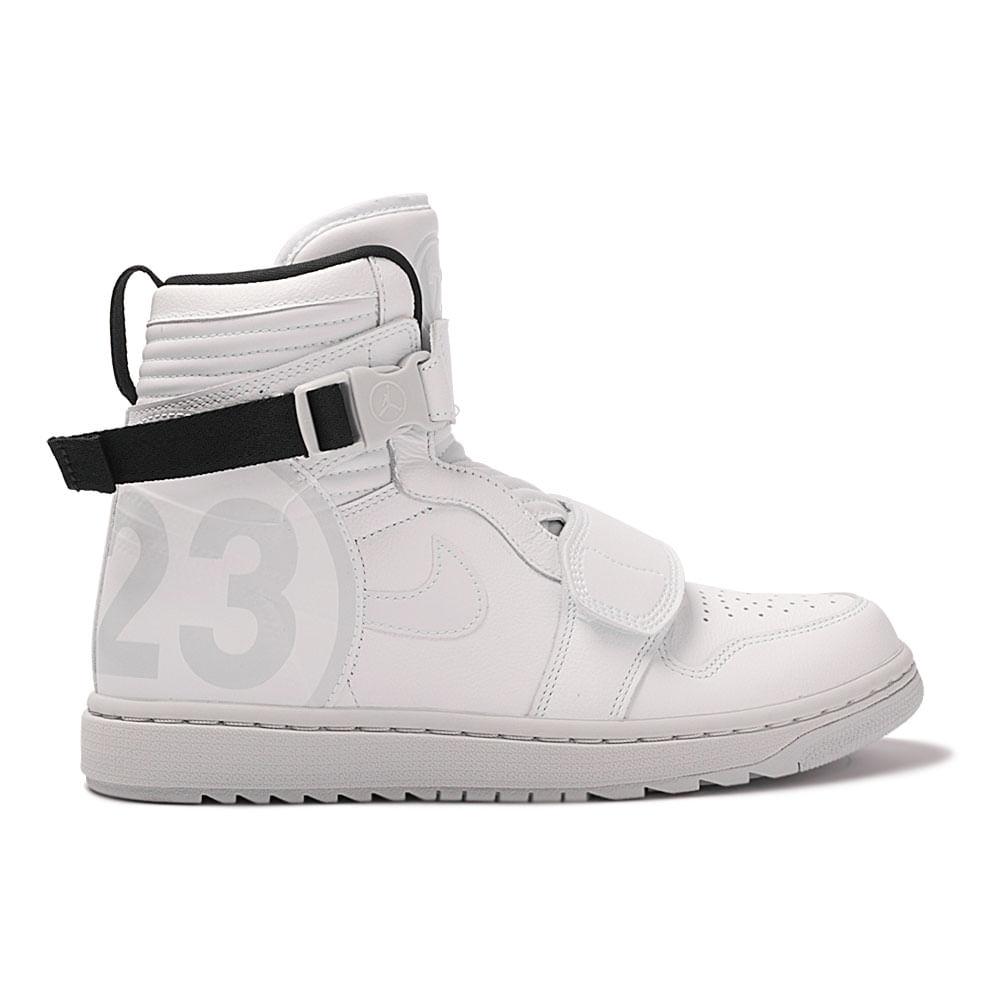 best sneakers 1a5be b6c85 Tênis Air Jordan 1 Moto Masculino | Tênis é na Artwalk - Artwalk