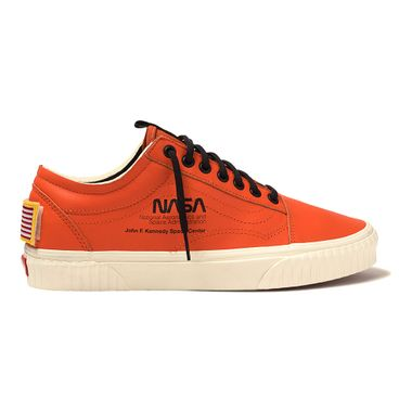 Tenis-Vans-x-Nasa-Old-Skool-Laranja