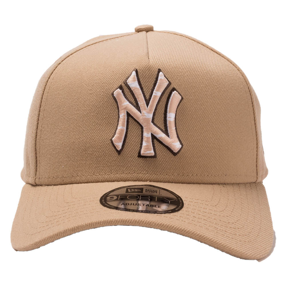 Bone-New-Era-9Forty-AF-SN-Earth-Camo-Logo-New-York-Yankees-Bege