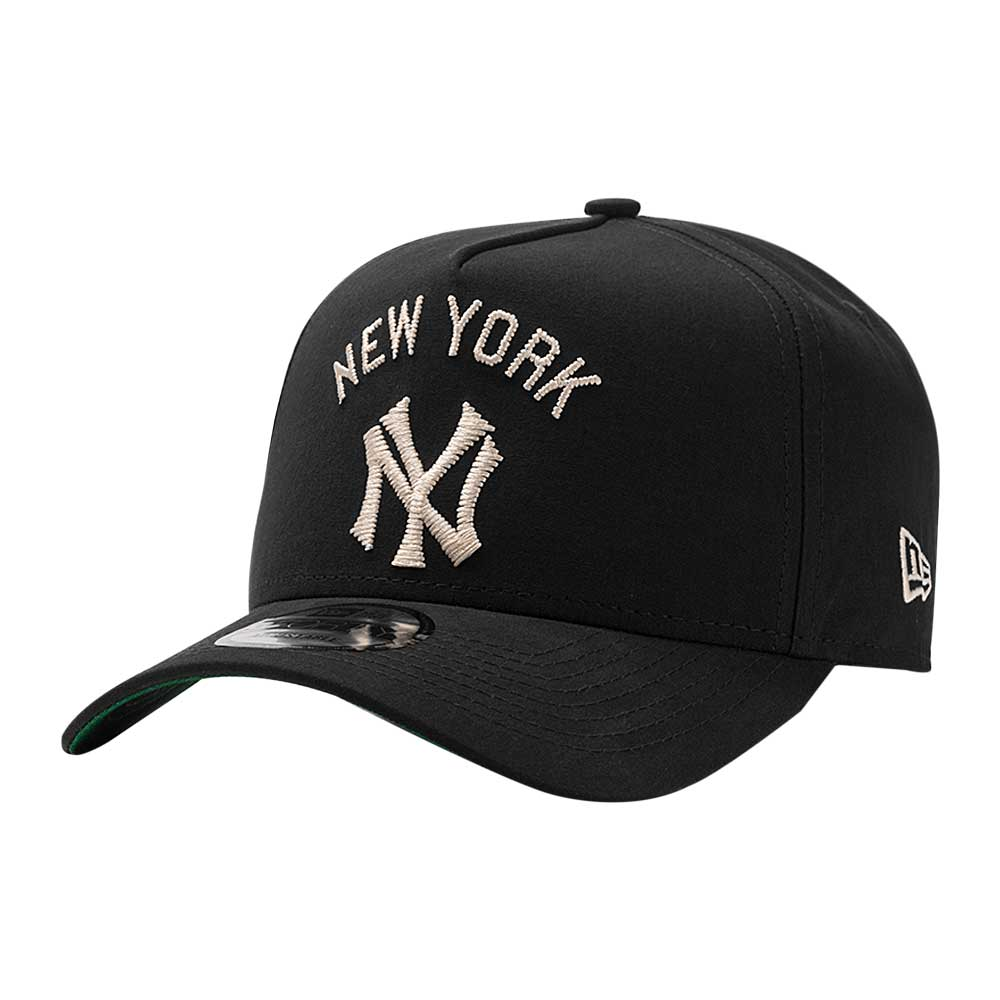 Bone-New-Era-9Forty-Retro-Basic-New-York-Yankees-Preto