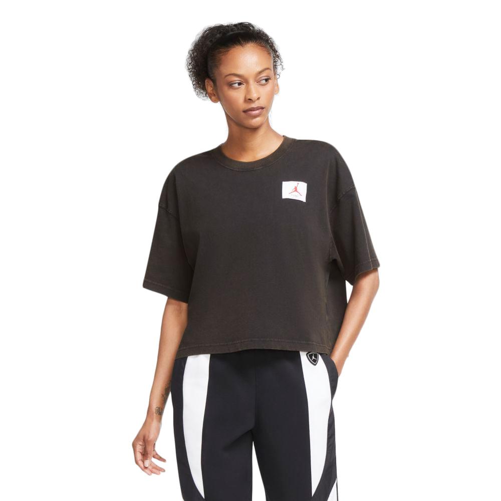 Camiseta-Jordan-SS-Essentials-Feminina-Preta