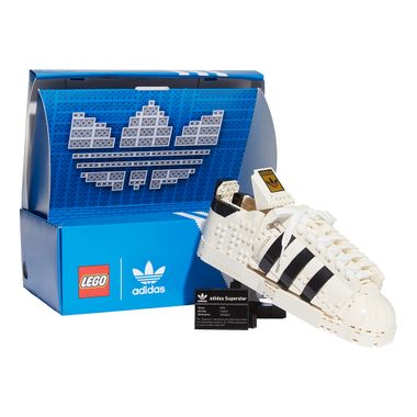 LEGO-x-adidas-Originals-Superstar-Branco